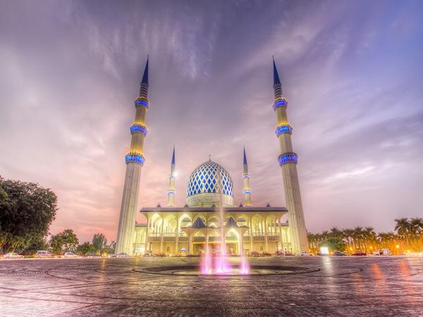 Sultan Salahuddin Abdul Aziz Shah Mosque Religious Building Shah Alam Travelmalaysia